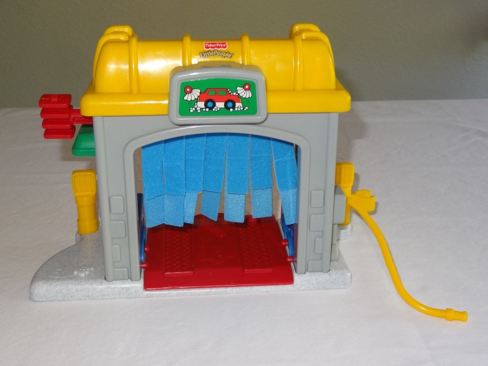 Garage Little People : Fisher price little people car wash gas pump and 50 similar items