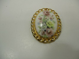 Vintage Milk Glass Cameo Flower Pin Brooch Gold Tone Filigree Metal - $8.29