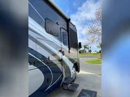 2017 THOR MOTOR COACH CHALLENGER 37LX FOR SALE IN Huntington Beach, CA 92605 image 1