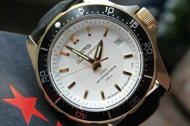 Vostok Komandirsky Russian Mechanical K-39 Military wristwatch 393780 - $361.62