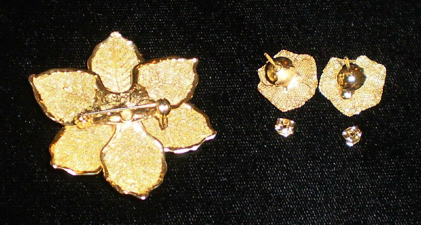 Gold Wire Mesh Leaf & Rose Pin and Matching Pierced Earrings