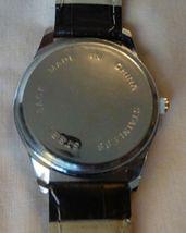 Vintage 1980s Quartz Men's Watch Textured Dark Brown Leather Band Unused image 4