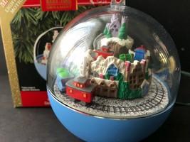 Keepsake Continental Express Train Circle Lighted Motion Ornament - $14.84