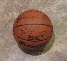 2017-18 MINNESOTA TIMBERWOLVES TEAM MULTI SIGNED AUTOGRAPHED BASKETBALL ... - $295.00