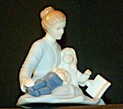 A Mother's Touch Figurine AA-191982  Vintage image 4