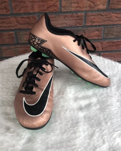 Nike Soccer Cleats Hypervenom Metallic Bronze Rose Gold Size 6Y Youth 744942-903