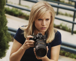 Kristen Bell in Veronica Mars holding camera 16x20 Canvas Giclee - $69.99