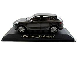 Porsche Macan S Diesel Year 2013 Paul's Model Art Minichamps Scale 1:43 - $59.90