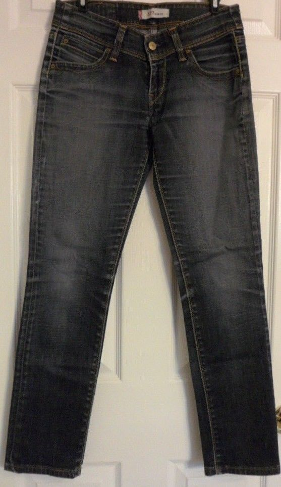 Womens Levi 571 'Slim Fit' Jeans - W 30 L 29 1/2 DARK Wash  Great Condition