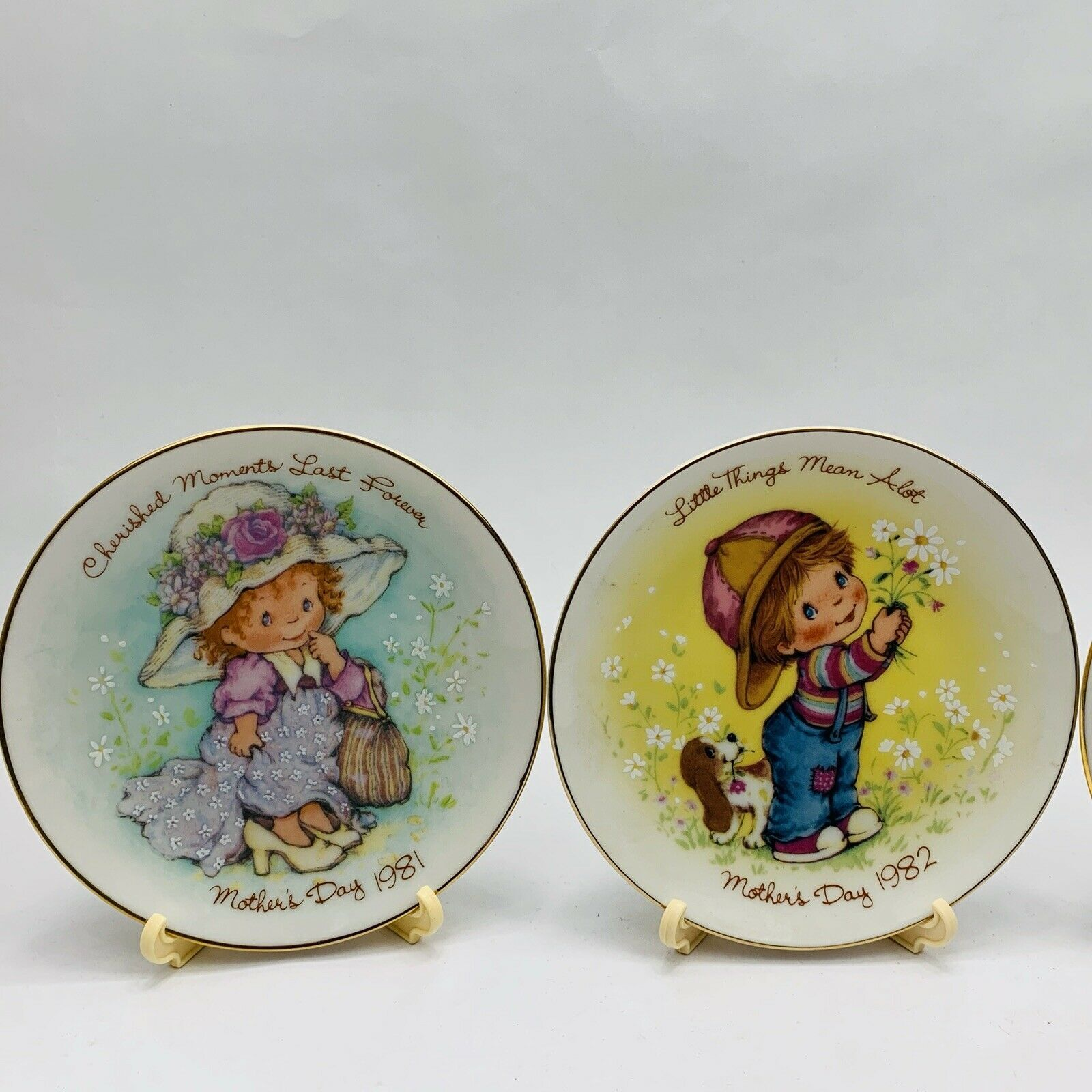 Avon Mothers Day Plates Set of 11 with Easels 1981-1991 image 8