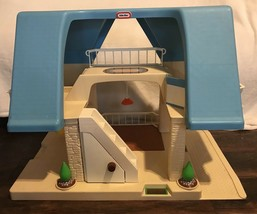 Little Tikes Place Vintage 1990s Blue Roof Family Dollhouse + Swing Baby Lamp - $64.99