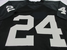 MARSHAWN LYNCH / OAKLAND RAIDERS / AUTOGRAPHED RAIDERS BLACK CUSTOM JERSEY / COA image 2