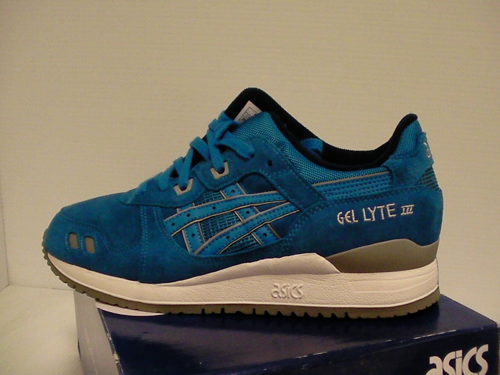 Primary image for Asics running shoes gel-lyte iii size 8.5 us men blue new with box