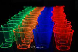 1oz 50 Count Neon Assorted Blacklight Reactive Plastic Shot Glasses - £5.70 GBP