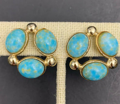 Longcraft Faux Turquoise Cabochon Cluster Screw Back Earrings Vintage Gold Tone - $14.80