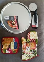 Cooking concepts Pizza Pan And Cutter and 2 hot pads and a oven mit new  - $4.94