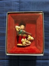 1986 New in Box - Enesco Christmas Ornament - Elf Stringing Popcorn - #551198 - $14.84
