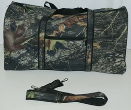 Viv and Lou M300WOODS Woods Duffle Bag Color Camouflage image 1