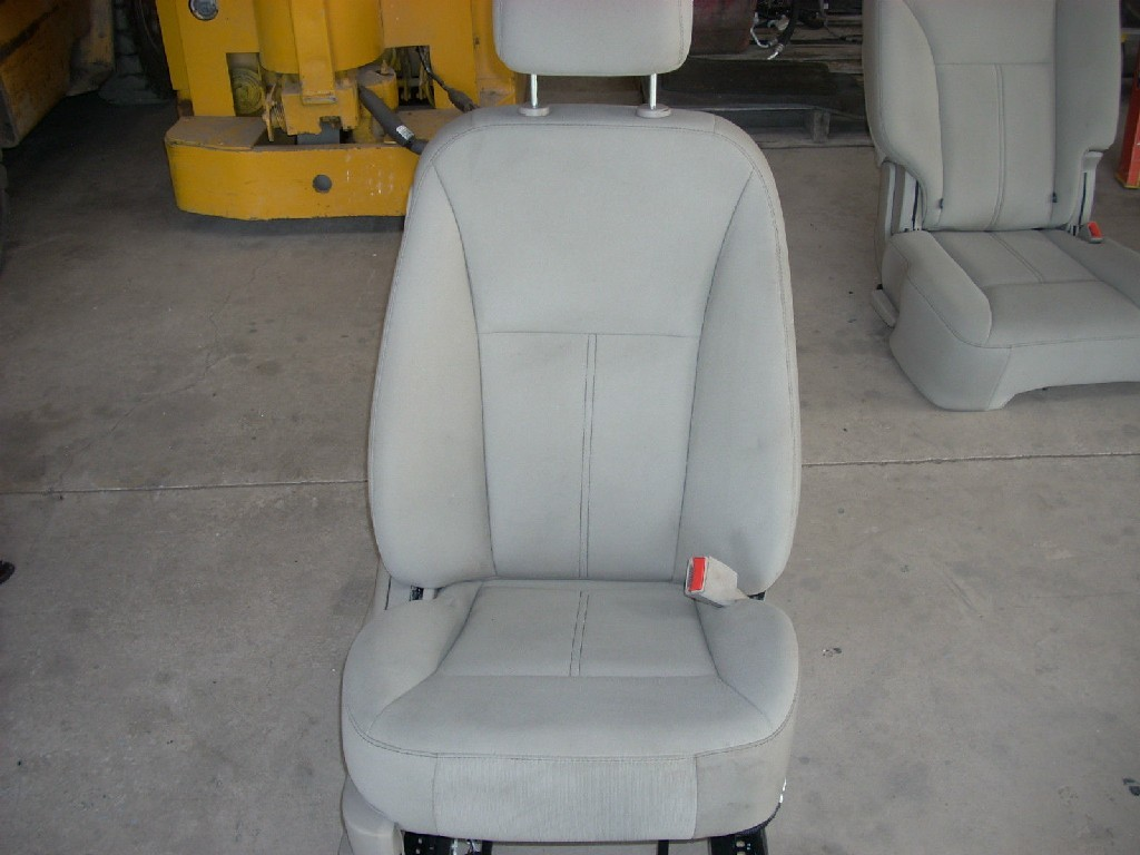 2011 FORD EDGE GRAY RIGHT FRONT SEAT
