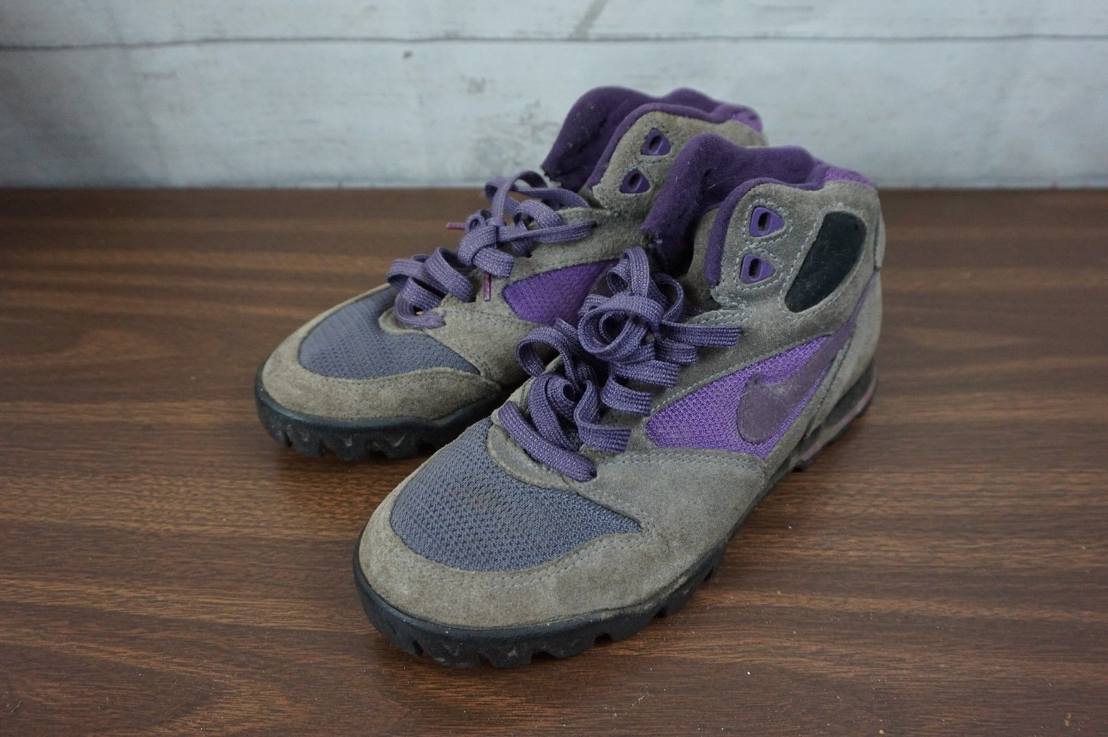 Vintage 1993 Nike Caldera Hiking Boots Purple 185090-450 Women's Size 7.5