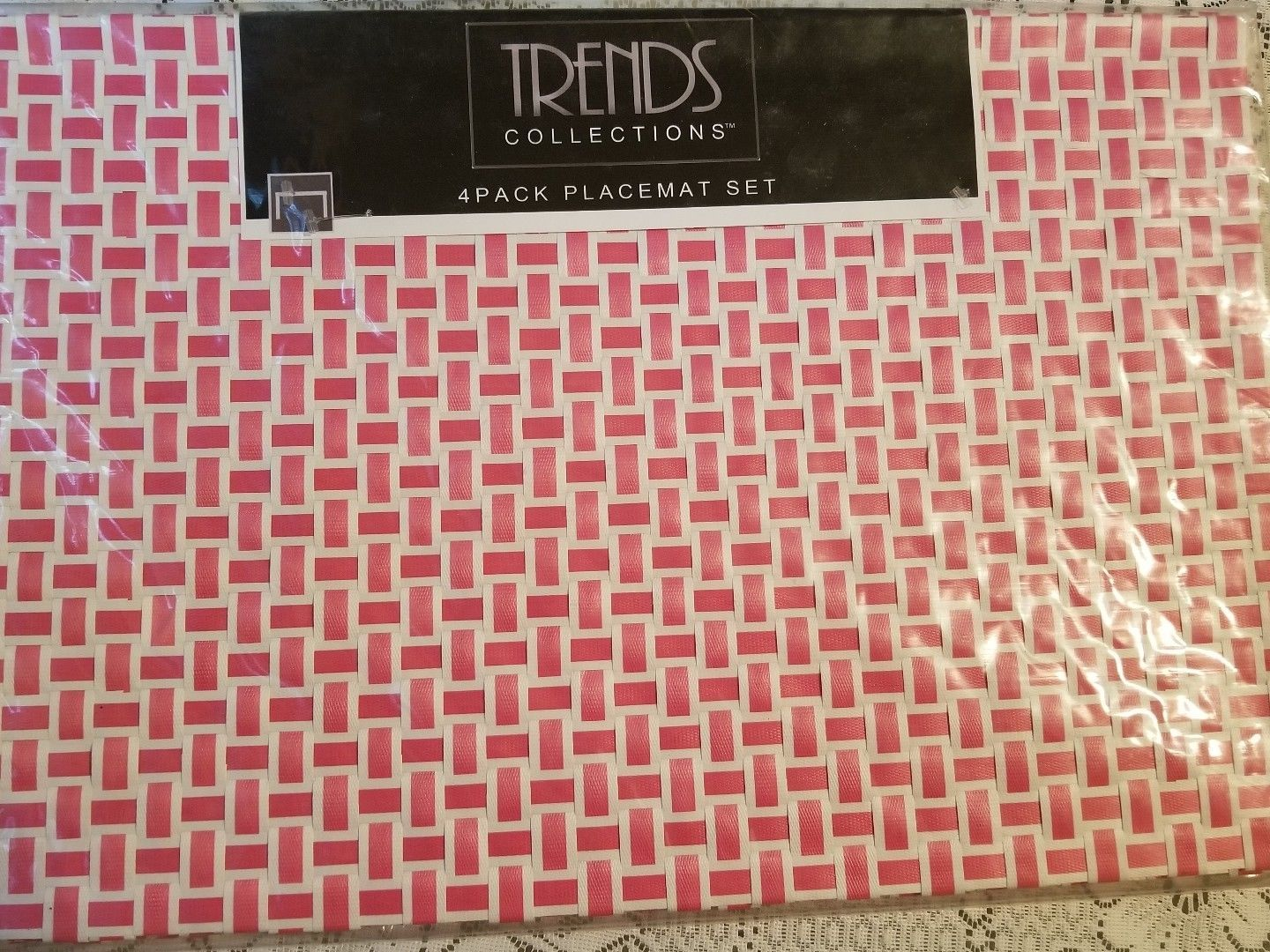 "Primary image for Trends Collections 13""x19"" 4-Pack Placemat Set basket weave pink Christmas gift"