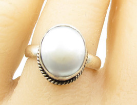 925 Sterling Silver - Vintage Iridescent Pearl Leveled Solitaire Sz 7 Ri... - $27.07