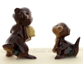 Hagen-Renaker Miniature Ceramic Figurine Chipmunk Holding Acorn with Baby Set image 3