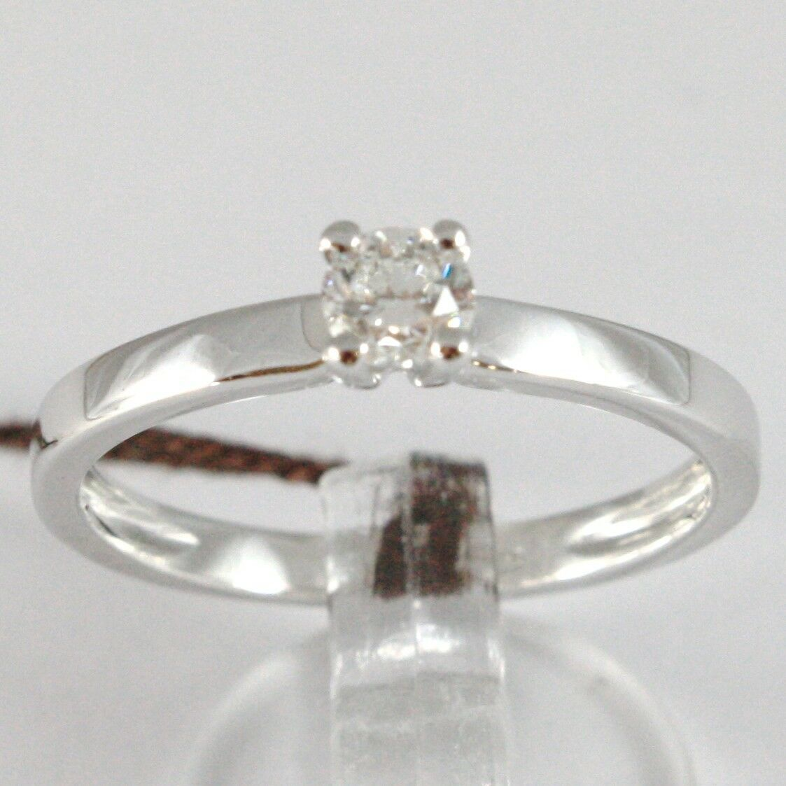 White Gold Ring 750 18K, Solitaire, Shank Square, Diamond Carat 0.27
