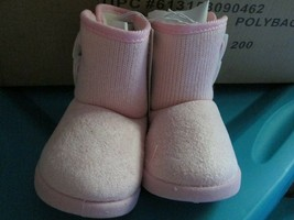 Toddler girls Pink  Two Button Bootie size M (6-7) brand New - $13.50