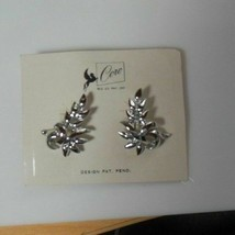 Vintage CORO Design Pat. Pending Silver-tone Leaf Screw-on Earrings - $21.77