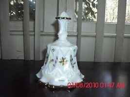 EXCELLENT USED FENTON HAND PAINTED CHRISTMAS BELL - WHITE - CHRISTMAS 1998 - $19.79