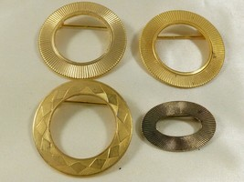 VTG LOT OF 4 GOLD TONE METAL WREATH CIRCLE DESIGN  PIN BROOCH OR GLASSES... - $24.75