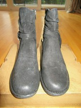 SH/BORN WOMEN'S CROSS BLACK DISTRESSED SUEDE BOOTS/NEW/SIZE 9/TASSELS! - $98.95