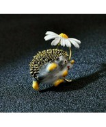 NEW! Adorable Hedgehog with Daisy brooch. - $8.91