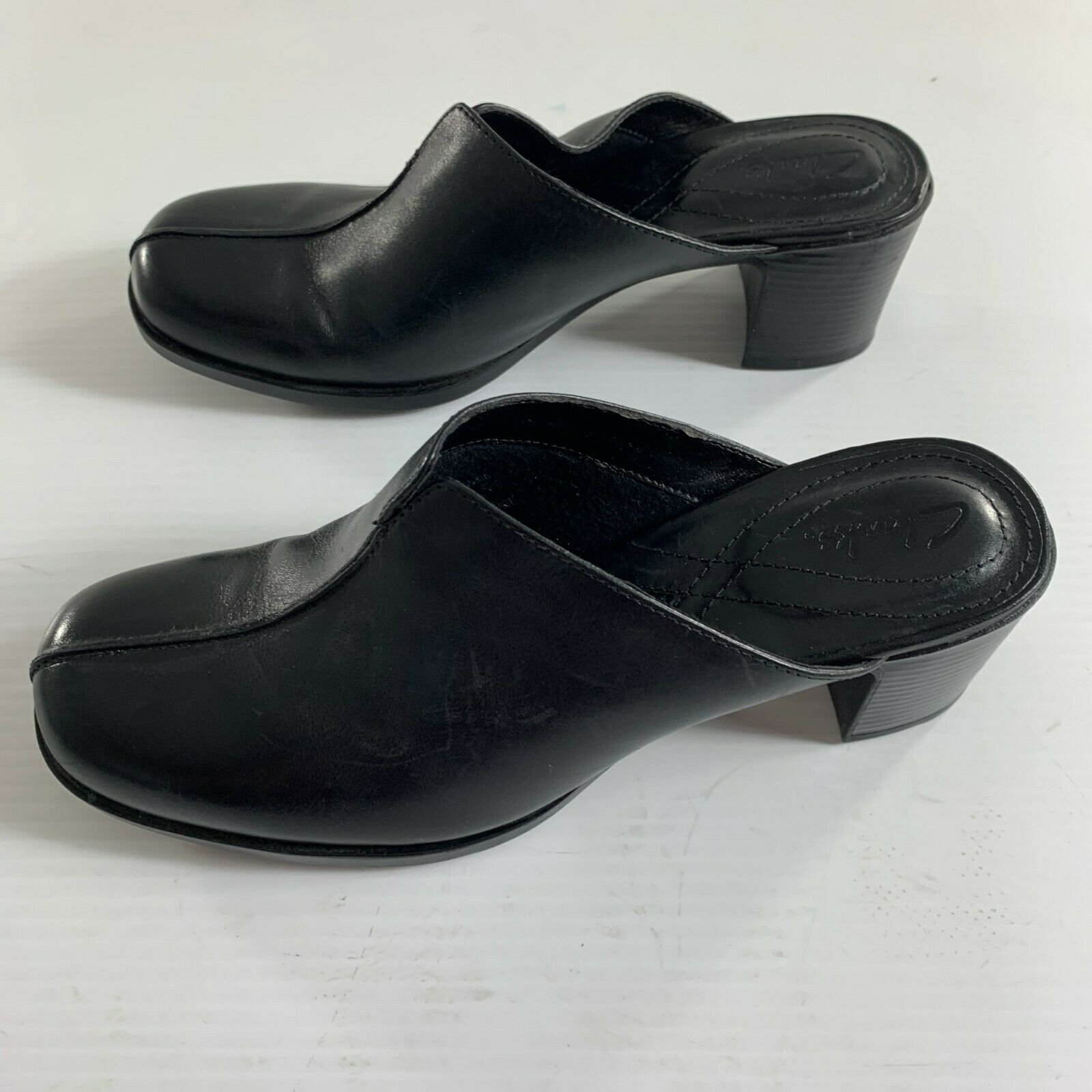Clarks Womens Mules Shoes Size 7 M Black Leather Clogs 74485 Slip On Heeled
