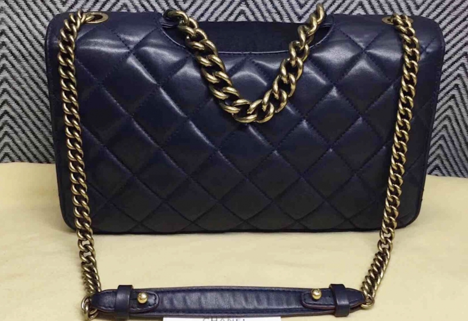 e9fd7d86eca9 AUTHENTIC CHANEL RARE NAVY BLUE QUILTED LAMBSKIN LARGE PERFECT EDGE BAG  GOLD HW