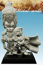 Spellcrow 28mm Miniatures: Halfling with Eagle