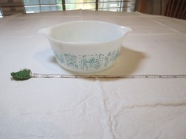 Vintage PYREX Amish Butterprint dish bowl Casserole 1 1/2 pint 472 chick... - $25.04