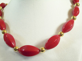 Napier Hot Red Beads Choker Necklace Gold Plated Oval Graduated Size Vin... - $14.80