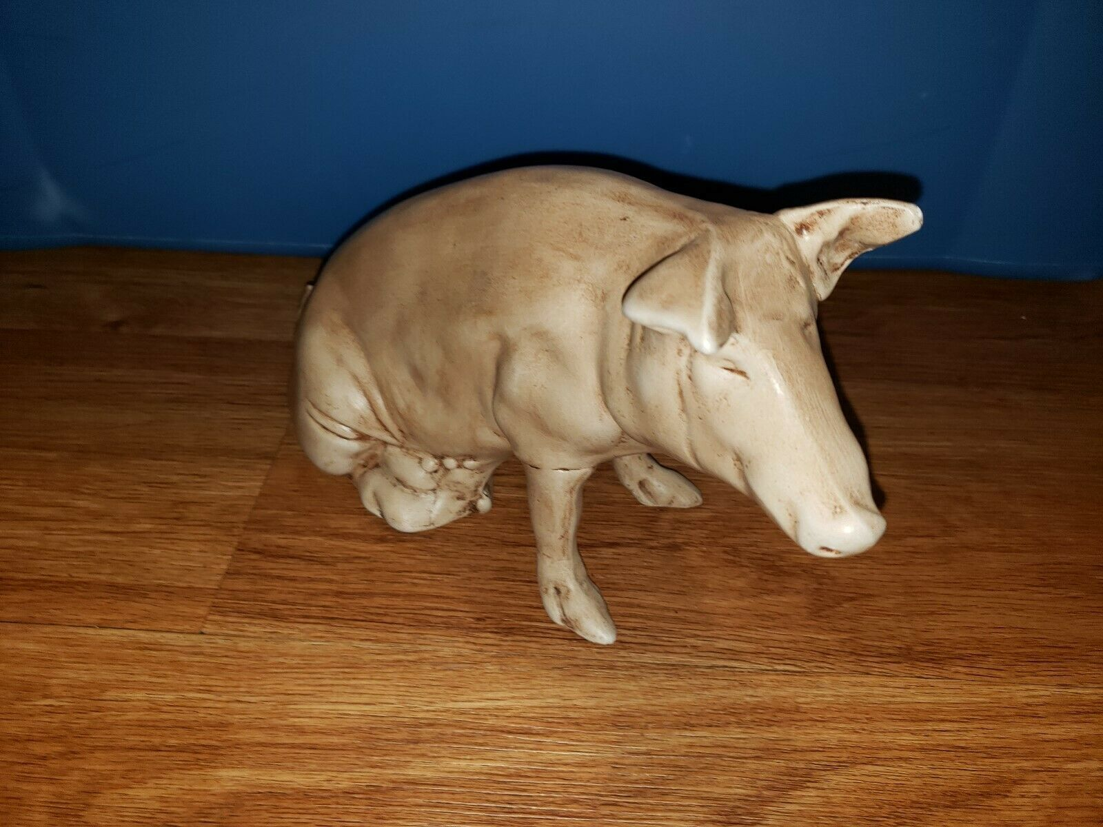 "OFF WHITE COLOR PIG FIGURE APPX 12"" LG ON  BOTTOM HOME DECOR"