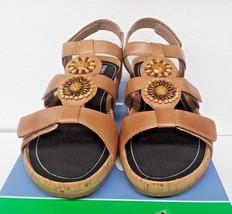 Abeo Women's Gia Biomechanical P.R.O. System (Stone) Sandals (24G51002) , Us 8 - $78.58