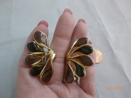 Vintage Peacock Feather Shaped Brown Black Goldtone Clip Statement Earrings - $12.19