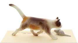Hagen-Renaker Miniature Ceramic Cat Figurine Calico Prowling with Mouse image 3