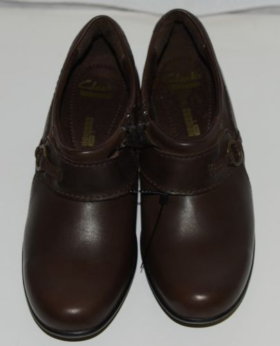 Clarks 1272055 Genette Curve Round Toe Leather Shootie Brown Size Six and a Half