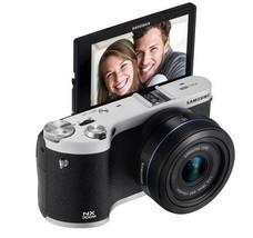 SAMSUNG NX300M Smart Camera with 18-55mm Lens Black/Self-Shot NEW image 2