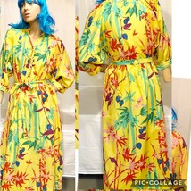 VINTAGE 1960's WOMEN'S YELLOW BIRDS OF PARADISE BELTED DRESS-GORGEOUS & ... - $45.82