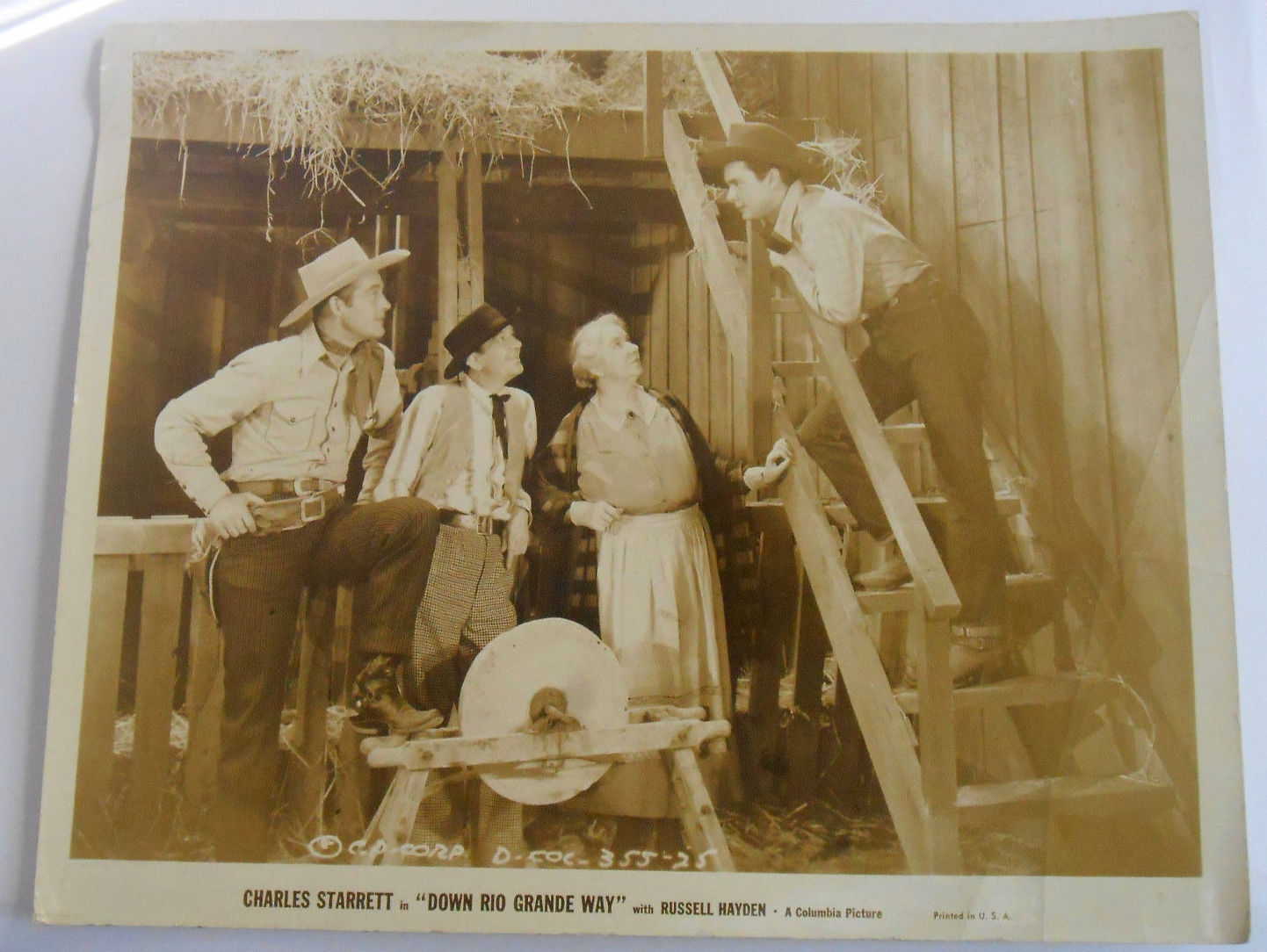 Down Rio Grande Way-Russell Hayden-8x10-Photo-Still