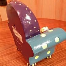 Whimsical  Milson & Louis Clock Chair QUARTZ CLOCK Hand Painted  Mint Condition  image 4