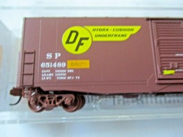 Micro-Trains # 18000172 Southern Pacific 50' Standard Boxcar N-Scale image 2