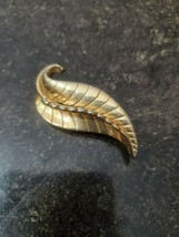 Gold Colored Leaf Brooch Pin (Avon?) - $4.99